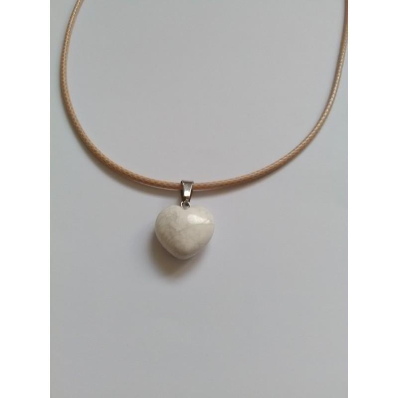 Pendentif coeur en pierre naturelle Howlite 23x16mm